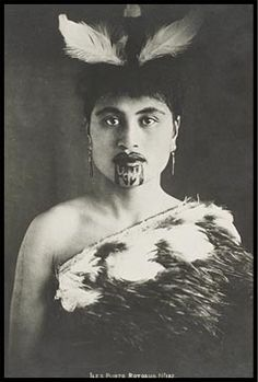 Maori women with facial tattoo