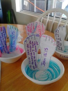 John 13:15 Jesus washes the disciples feet. Glue feet in a paper bowl and glue napkin in bowl. Kids really liked it.