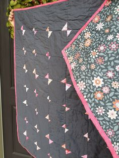 pink & gray tiny bowtie quilt | Flickr - Photo Sharing!