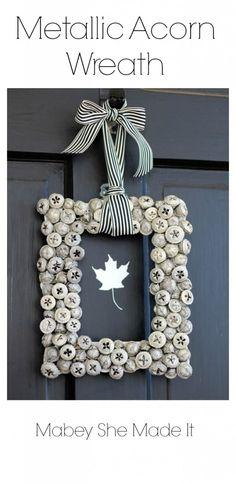 Gorgeous! Must make this Metallic Acorn Wreath | Mabey She Made It | #wreath #autumn #acorn #homedecor
