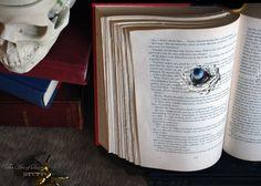 Eyes in a book. Halloween Craft tutorial.