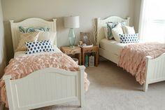twin bedroom | Katelyn James Photography