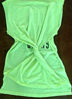 Trash To Couture: DIY Twisted Tee, a great idea for too-big shirts twisted tees, too big shirt, cloth, twist tee, shirts, trash to couture diy, big shirt ideas, diy twisted tee, thing