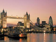 Tower Bridge in London! AMAZING
