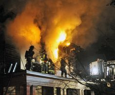 Two-alarm fire on Staten Island. Taken Dec. 13, 2012. Photo by Marc A. Hermann, NY Daily News/Fire Bell Club.