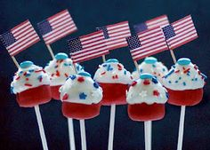 cakepops holiday, military spouse, juli 4th, juli idea, juli cake, mini cupcakes, cake pops, 4th of july, cakepop