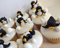 The most adorable penguin cupcakes...ever.