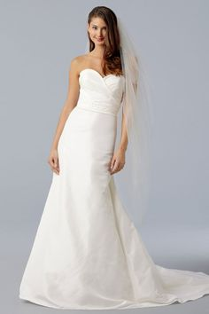 Chic sweetheart a-line chapel train bridal gowns