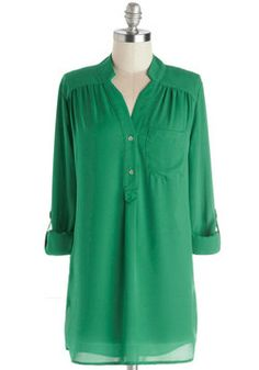 Pam Breeze-ly Tunic in Green: Tucking into a skirt/Or hanging loose over jeans/Fashionista style. #ModCloth #ModClothHaiku