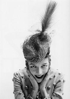 Maxime, Comtesse de la Falaise, photo by Avedon, Paris, 1948 pari, hat