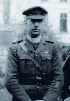 father francis browne, who took the photos of the titanic