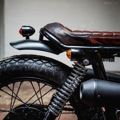 Norton 850 Commando by Federal Moto   rear detail