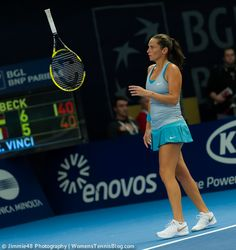 There was some racquet-throwing by Roberta Vinci as well #WTA #Luxembourg  http://www.womenstennisblog.com/2014/10/15/tough-day-top-seeds-luxembourg-highlights/