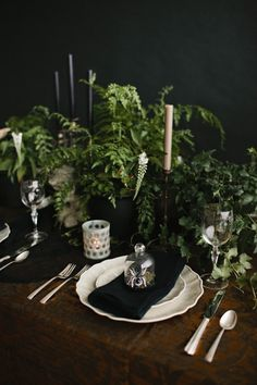 HALLOWEEN TABLETOP :: MIDNIGHT IN THE GARDEN | coco+kelley