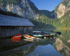 Enjoy a boat trip on one of Austria's beautiful lakes.#austria #summer #lake #boats #nature #visitaustria
