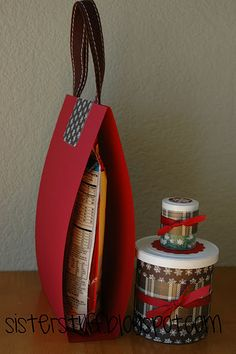 Inexpensive Christmas Hostess gift or neighbor gift from iheartnaptime.net