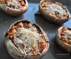 Portobello mushroom pizzas - ditch the pizza dough!