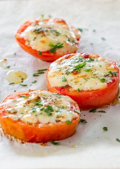 Baked parmesan tomatoes / This recipe could be adapted by using 2 medium tomatoes (tomatoes = green) and filling 1 blue container with parmesan.  The oil is optional, but if you use the oil you will need to count it towards tsp(s).