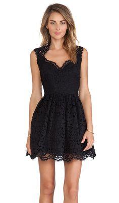 Antilles Scalloped Detail Lace Dress
