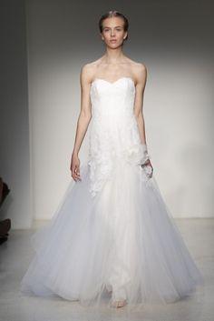 Vestido de novia clásico 2013 con corte princesa y falda de tul - Foto Christos