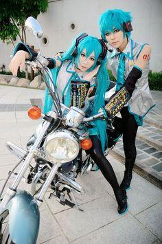 Miku and Male Miku (I forgot his name :( ) cosplay