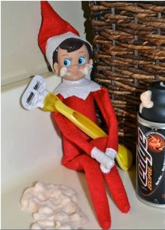 So your kid gets up in the middle of the night to go to the bathroom, and what's waiting there for him? An elf with a freaking RAZOR! This thing makes the Boogey Man look like Mary Poppins!