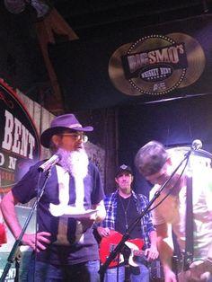 Si Robertson rock star in Nashville