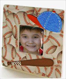 Father's Day Baseball Frame. Show dad that you are his biggest fan with this sporty frame. #modpodge #folkart #frame #fathersday