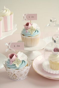 """Pretty """"I Do"""" Cupcakes with Flowers"""