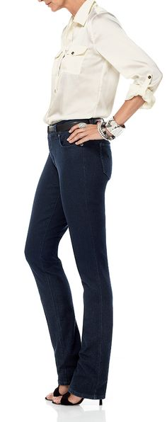 This leg shape gives you twice the slim. #chicos