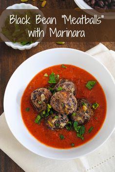 "Black Bean ""Meatballs"" with Marinara - A meatless meal that's a crowd pleaser! | foxeslovelemons.com"