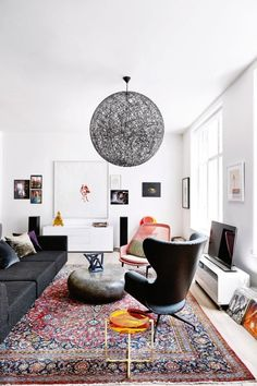 Modern lofty living. White and black.
