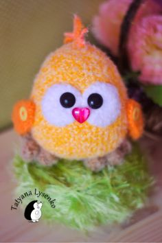 Amigurumi Chicken - Free Russian Pattern http://magic-filament.blogspot.com.es/2014/03/blog-post_30.html