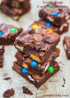 Loaded Fudgy Candy Bar Brownies - Loaded with Twix, Snickers, Butterfinger, PB Cups or whatever is cluttering your pantry. Great for using up post-Halloween candy! Fast, Easy, No-Mixer Recipe at averiecooks.com