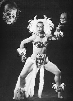 Burlesque Dancer Mimi Reed