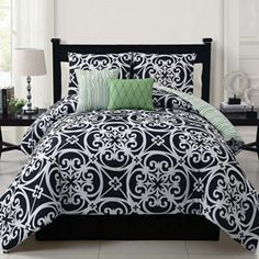 Victoria Classics Kennedy 5-pc. Reversible Comforter Set - Queen