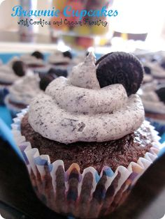 Brownie Cupcakes with Cookies and Cream Frosting #Dessert #Recipe from sixsistersstuff.com