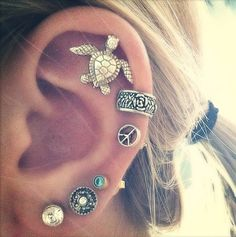 hipster, fashion, cartilage earrings, accessori, peace signs, diamond, ear piercings, ear cuffs, sea turtles