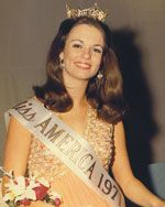 """Phyllis George (Texas) Miss America 1971 is an accomplished television broadcaster, author, businesswoman/entrepreneur and award-winning humanitarian    Her first and only movie she venture into acting was a role in the mega-hit """"Meet the Parents"""" with Robert DeNiro, Ben Stiller and good friend Blythe Danner.     Phyllis was also presented with the """"Rita Hayworth Alzheimer's Award"""" for her work and advocacy with Alzheimer's."""