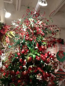 Christmas Tree Theme Traditional Red and Green