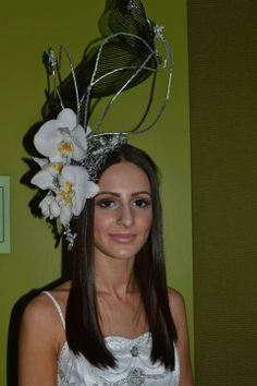 Floral headpiece designed by #TAFE #SWSi students shown at #FlowersinMotion. #bridal #wedding #races