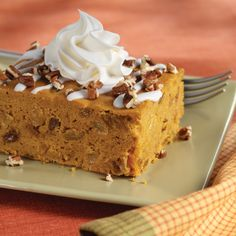It's pumpkin season! This fall, treat yourself to these eight easy dessert recipes that combine two of the season's most delectable treats - pumpkin and Reddi-Wip