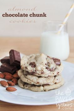 almond chocolate chunk cookies // the baker upstairs http://www.thebakerupstairs.com