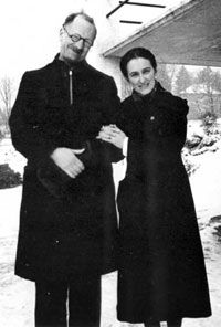 Magda Trocmé (here with her husband, a Protestant pastor) was actively involved in creating and maintaining a haven for the persecuted Jews in Le Chambon, France. She located families willing to accommodate Jewish refugees and prepared the town's many residential schools for increased enrollment. histori, andré trocmé, wwii, jewish people in the holocaust, inspir, magda trocmé, france, pastor, heroic people