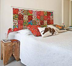 Sugestão criativa para quem têm cama box, uma cortina de patchwork para cabeceira. Adoro!