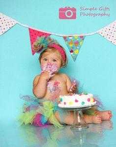 Great idea for 1st birthday photos!
