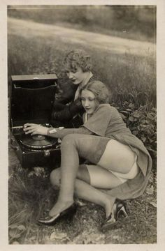 Paris kennedy isabella soprano and carnal record players vintage erotica vintage photos 1920s paris vintage photographs 1920s listening pinup big anal 1920s porn