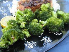 BROCCOLI.  microwave lemon garlic broccoli.