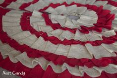 Red and Tan No-Sew Tree Skirt
