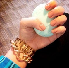 eos lotion + pretty nails = beautiful hands!